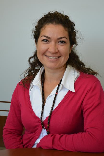 Astrid Benavides - Consultor de Negocios